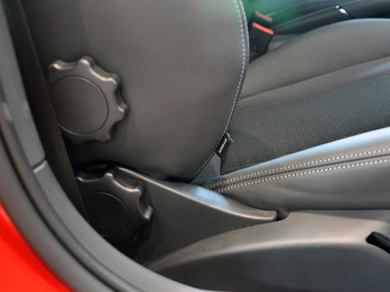奥迪A1手动调节座椅