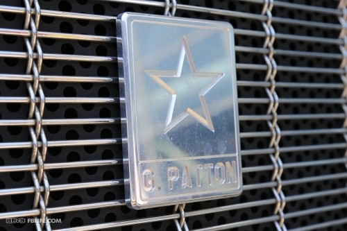 最安全的乔治巴顿越野汽车售价300 500万元高清图片