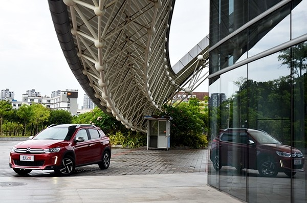 卖配置卖动力 东风雪铁龙C3 XR试驾评测高清图片