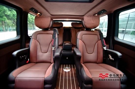 奔驰劳伦士MS500进口商务7座试驾,浅谈百万级豪华MPV的内饰格调