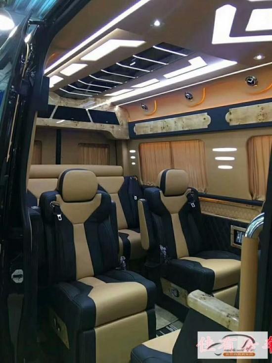 「奔驰斯宾特」7+2版商务车 2018款价格图片配置详解析