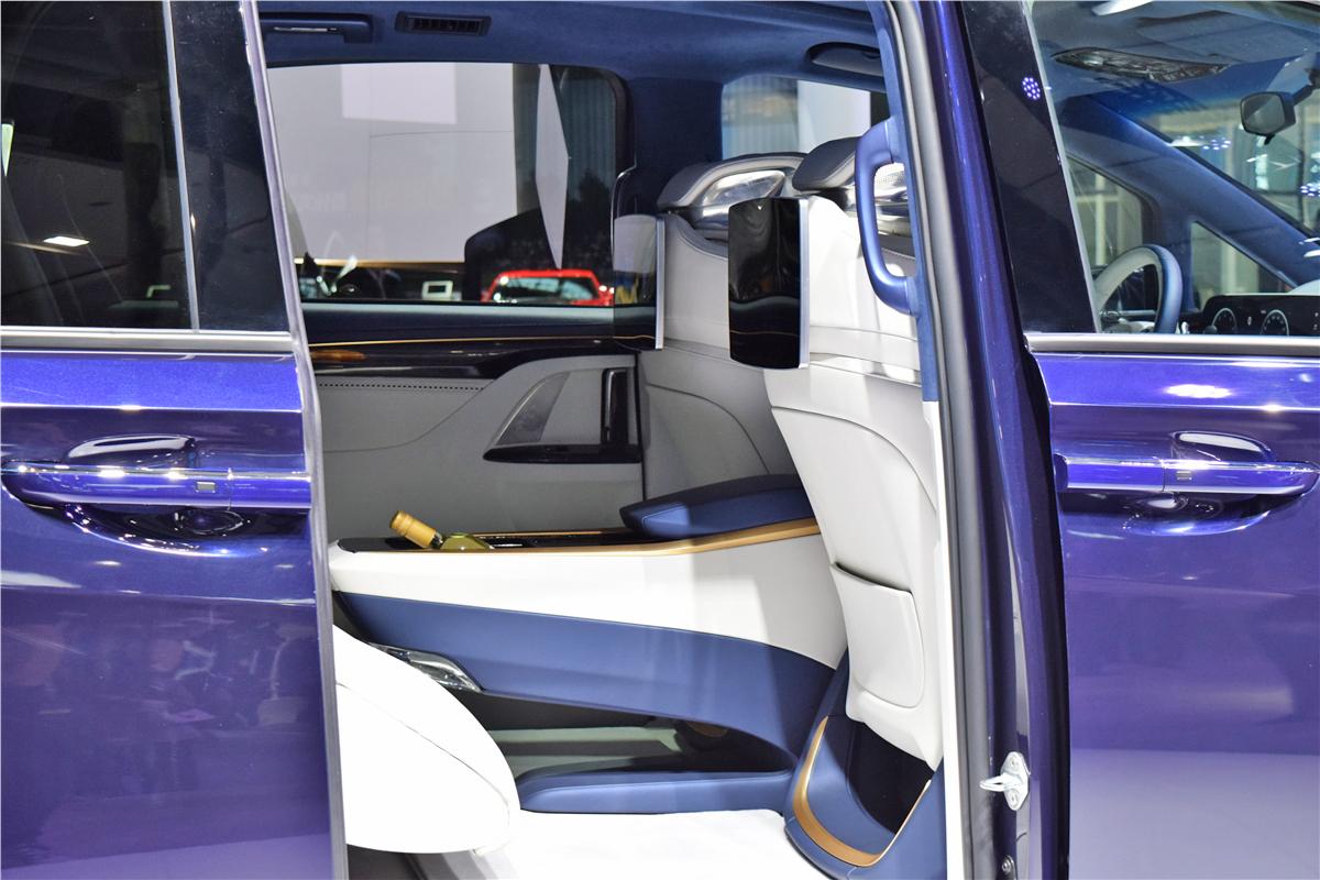 普通的三厢级轿车和SUV开始难以满足家庭的正常需求