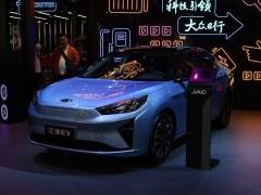 江淮iC5图片