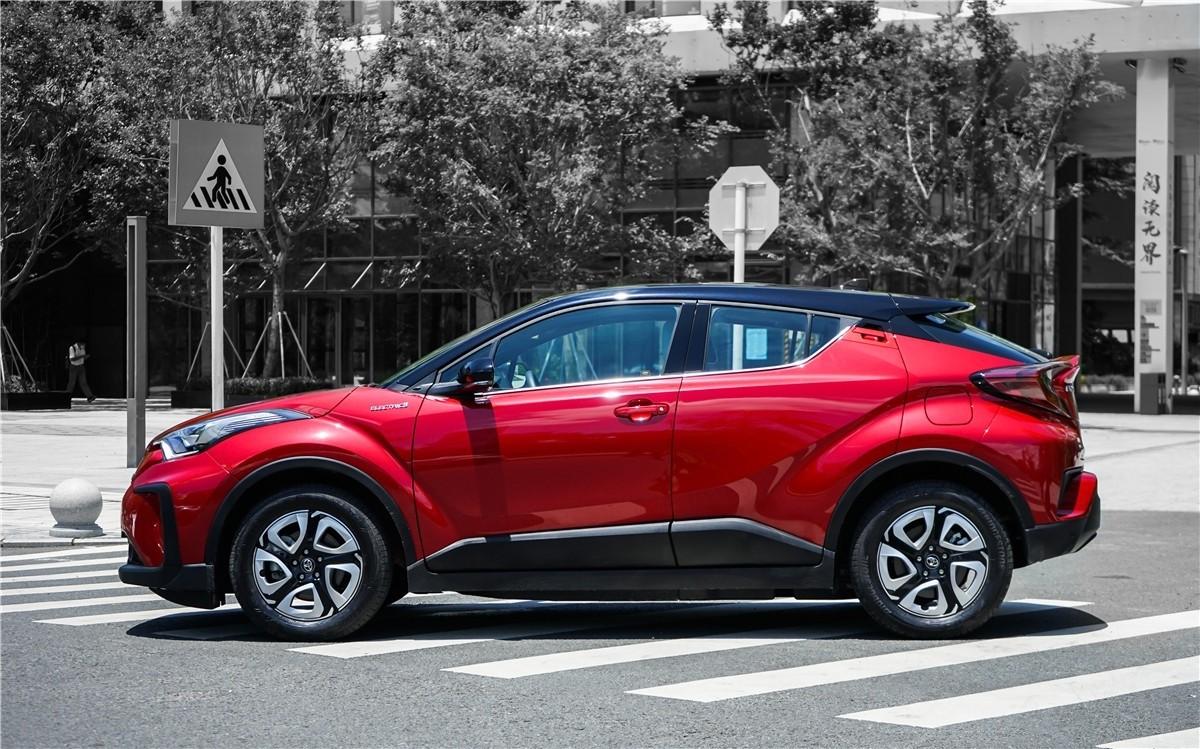 丰田C-HR EV试驾:竟给到了性能钢炮的炸裂错觉?_试驾评测 -第4张图片-汽车笔记网