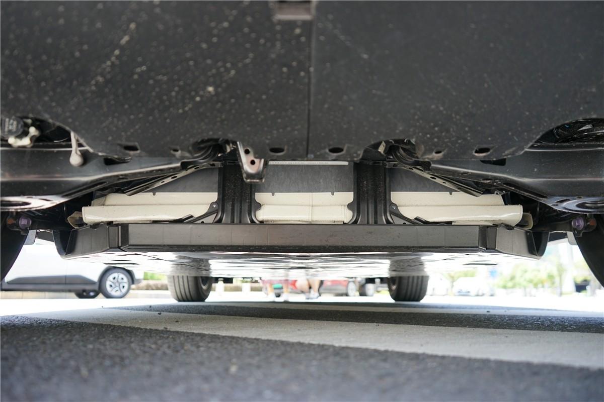 丰田C-HR EV试驾:竟给到了性能钢炮的炸裂错觉?_试驾评测 -第5张图片-汽车笔记网
