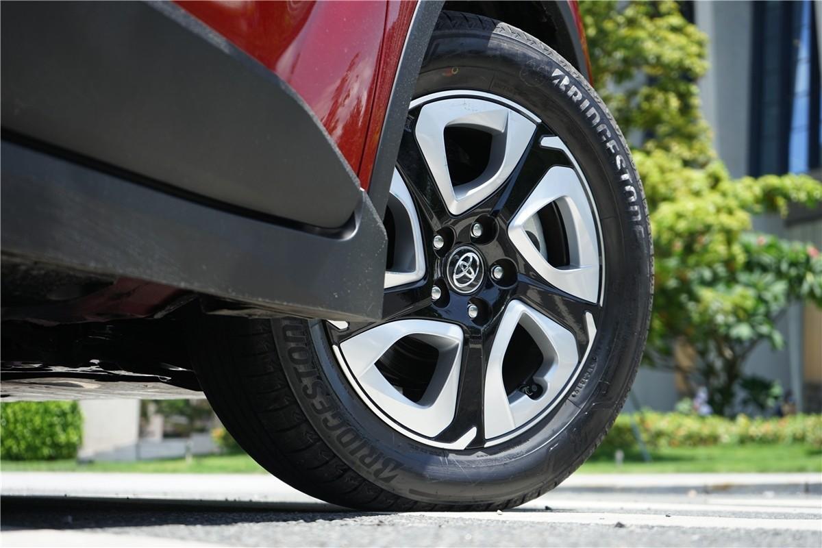 丰田C-HR EV试驾:竟给到了性能钢炮的炸裂错觉?_试驾评测 -第6张图片-汽车笔记网