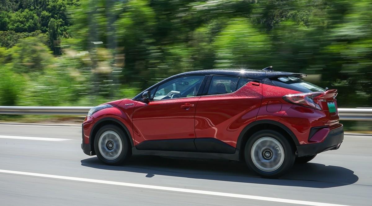 丰田C-HR EV试驾:竟给到了性能钢炮的炸裂错觉?_试驾评测 -第12张图片-汽车笔记网