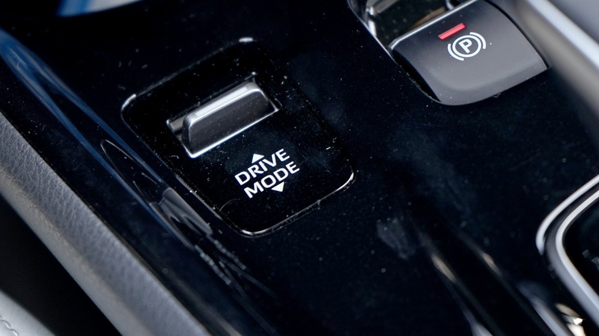 丰田C-HR EV试驾:竟给到了性能钢炮的炸裂错觉?_试驾评测 -第13张图片-汽车笔记网