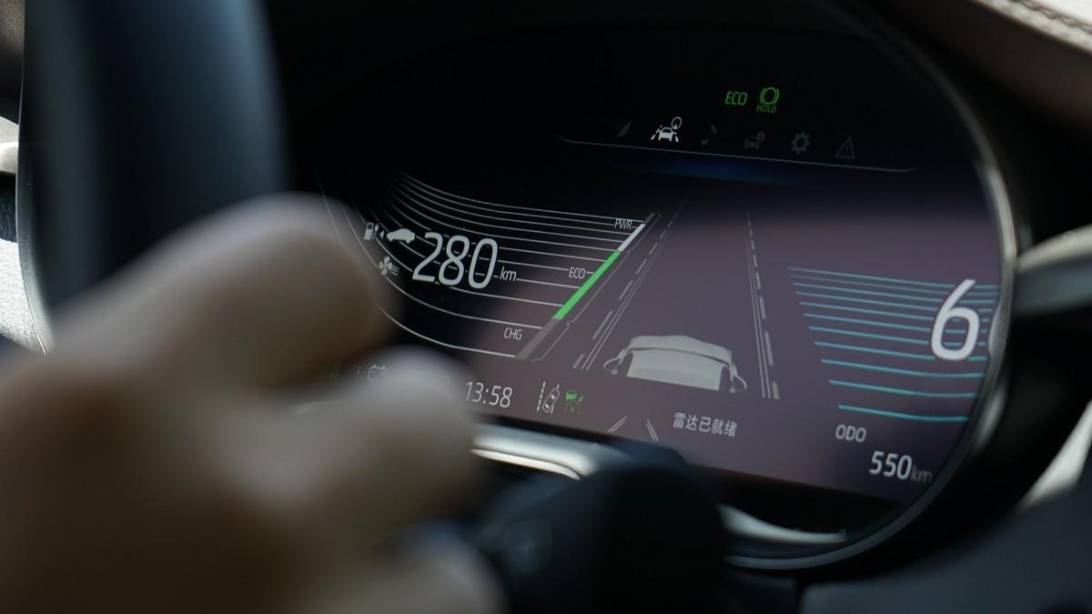 丰田C-HR EV试驾:竟给到了性能钢炮的炸裂错觉?_试驾评测 -第16张图片-汽车笔记网