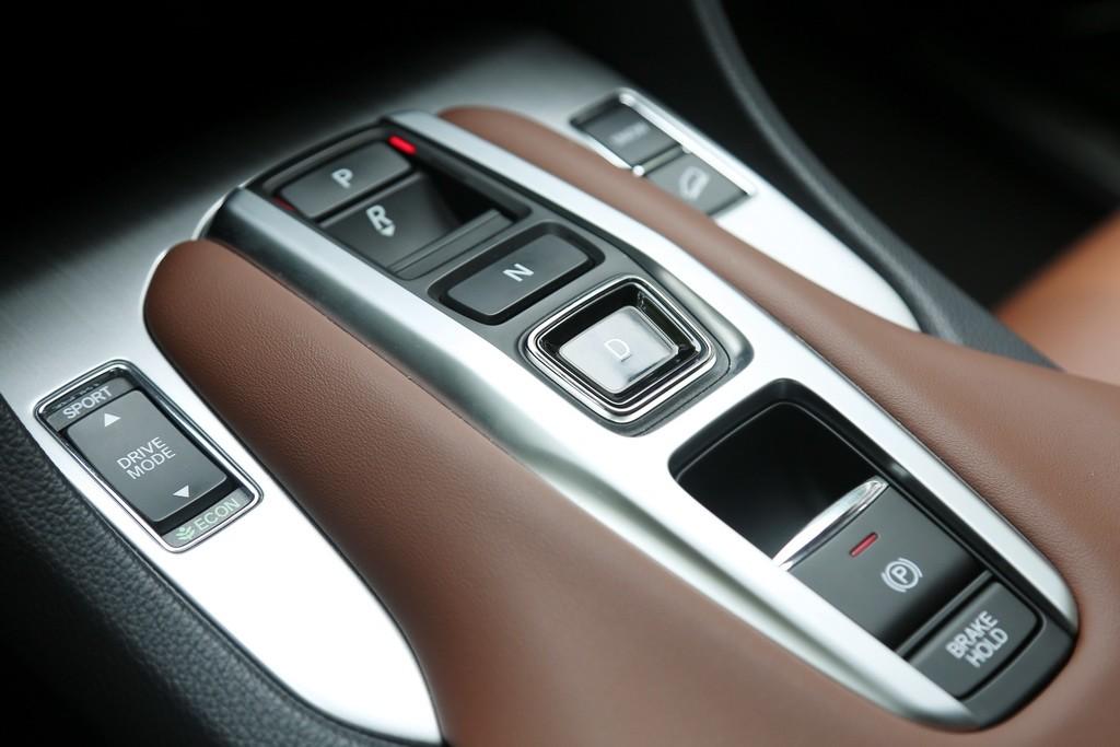 大五座SUV标杆变得更强了吗?新款冠道试驾_试驾评测 -第5张图片-汽车笔记网
