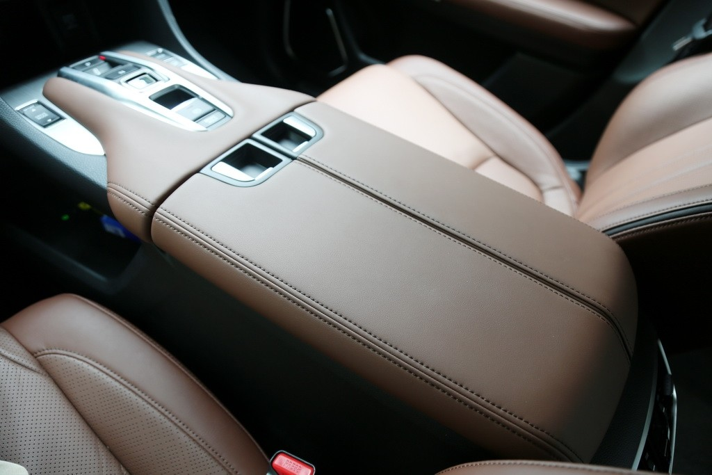 大五座SUV标杆变得更强了吗?新款冠道试驾_试驾评测 -第17张图片-汽车笔记网