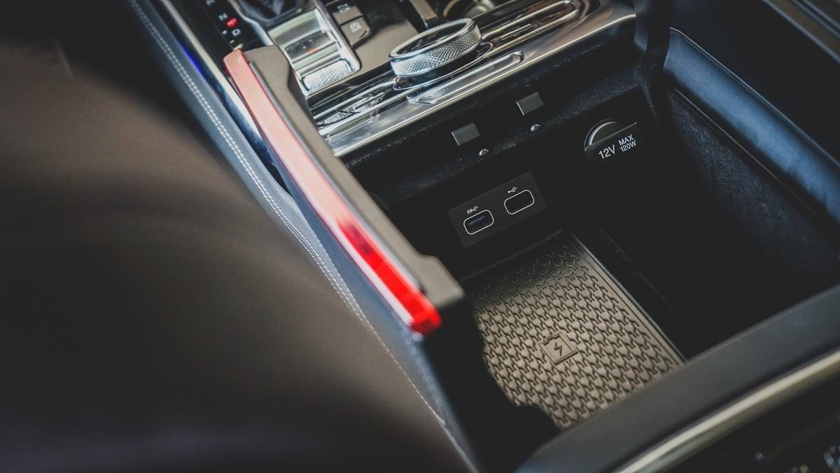 红旗H9到店实拍:气场不输奔驰S级的自主豪华轿车!_车型图解 -第26张图片-汽车笔记网