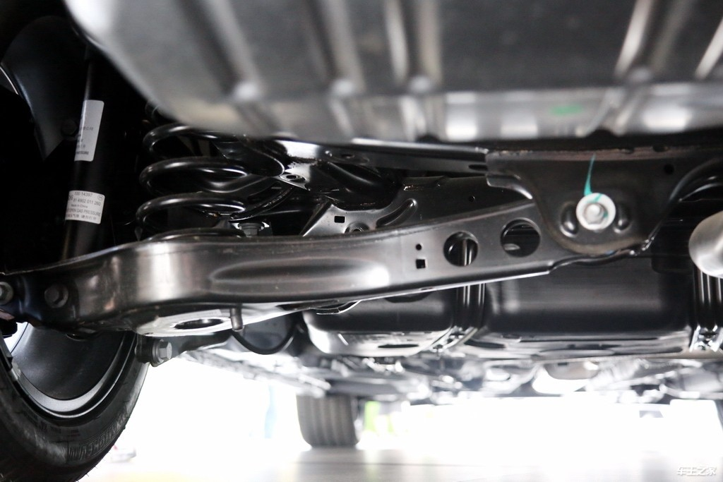 稳重的气质里藏着倔强的个性 荣威i6 MAX实拍解码_车型图解 -第20张图片-汽车笔记网