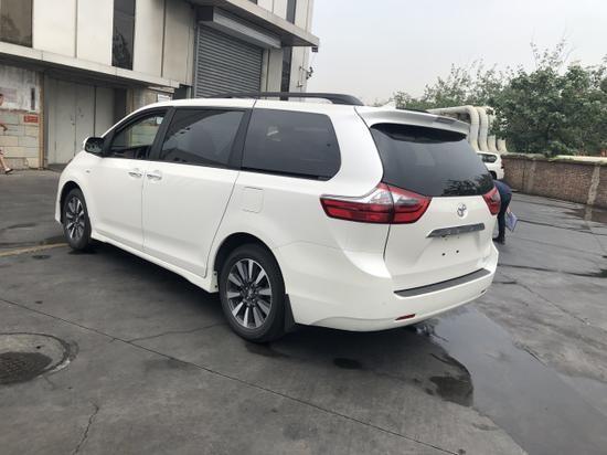 2020款丰田塞纳舒适四驱七座商务车报价