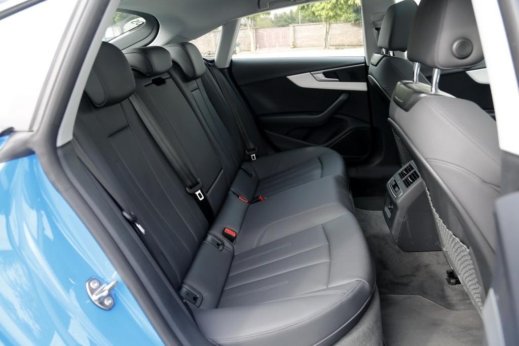 个性但不张扬  试驾新奥迪A5 Sportback_试驾评测 -第7张图片-汽车笔记网