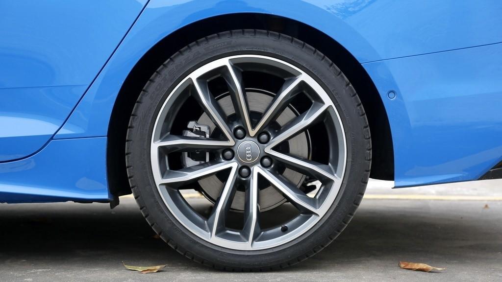 个性但不张扬  试驾新奥迪A5 Sportback_试驾评测 -第9张图片-汽车笔记网