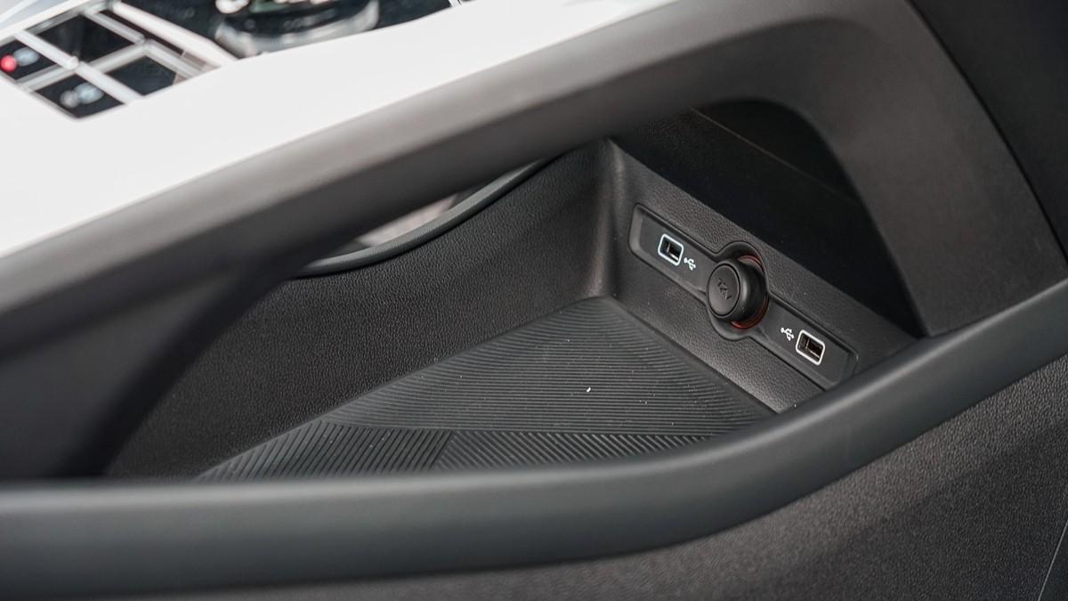 荣威全新Ei5实车体验:一切从质感的蜕变开始_车型图解 -第13张图片-汽车笔记网