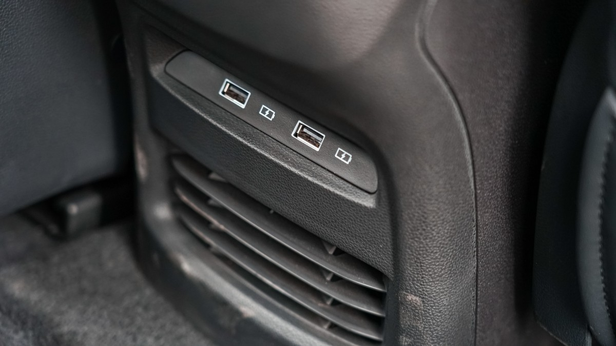 荣威全新Ei5实车体验:一切从质感的蜕变开始_车型图解 -第21张图片-汽车笔记网